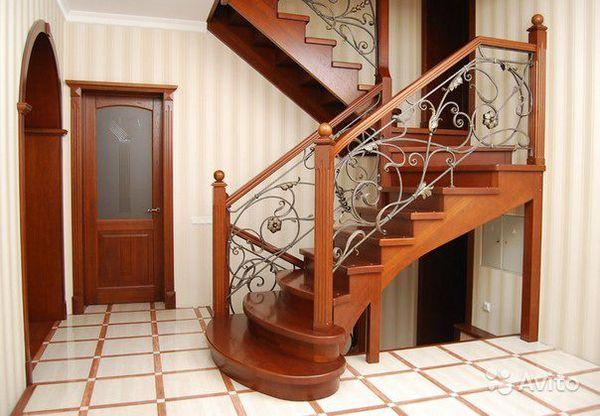 Лестницы из массива ценных пород дерева