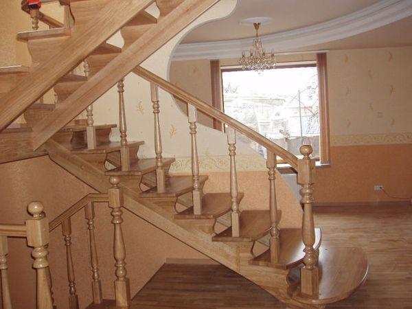 Лестницы из массива ясеня