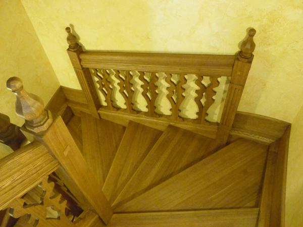 Лестница-из-массива-710
