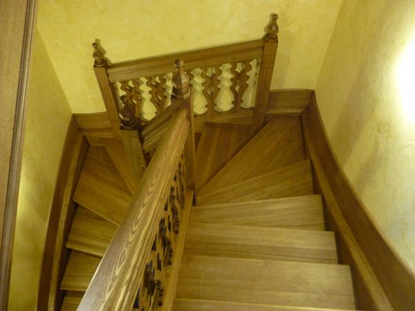 Лестница-из-массива-711
