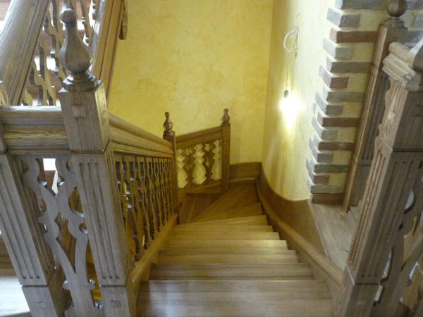 Лестница-из-массива-712