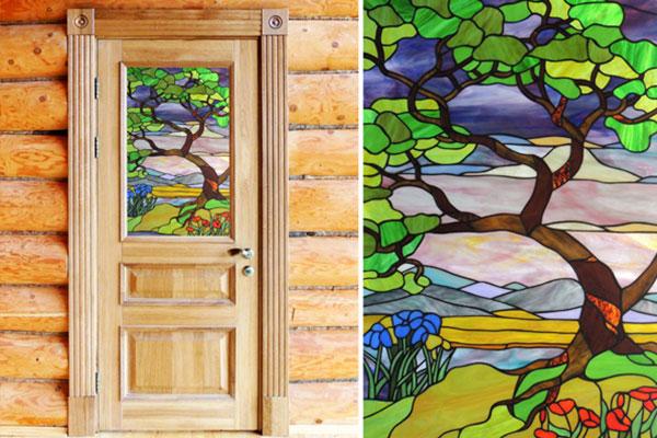 Двери из дуба с витражами в Богданихе